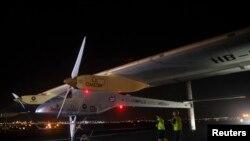 솔라 임펄스가 6일 뉴욕의 존 F 케네디 공항에 착륙했다.