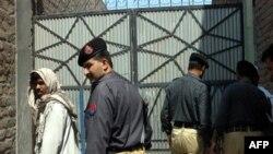 AQSh: Pokiston hukumati jangarilar bilan hamkorlik qiladi