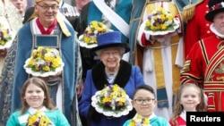 英国女王伊丽莎白二世(50图)