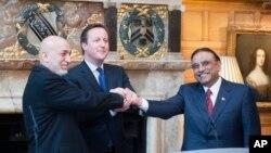 Avganistanski predsednik Hamid Karzai, britanski premijer Dejvid Kameron i pakistanski predsednik Asif Ali Zardari