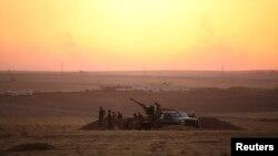 지난 6일 이라크의 시리아 접경 지역인 이라크 라비아 시 인근에서 쿠르드 자치병력이 ISIL에 대응해 경계근무를 서고 있다. (자료사진)