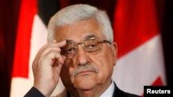 Mahmoud Abbas, que assumiez el poder en Palestina en 2005, fue reelegido al frente de la OLP.