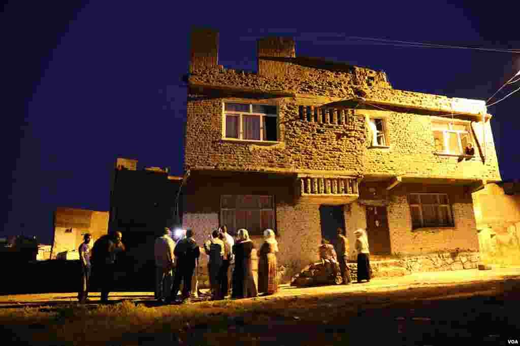 Sur'un Ali Paşa ve Lalebey Mahallelerinin bazı sokakları zifiri karanlık