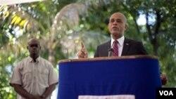 Kandida Michel Martelly ranpòte eleksyon prezidansyèl yo nan peyi Dayiti