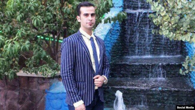 گفته شده رضا اوتادی ۲۵ ساله و فروشنده لوازم چوبی بود.