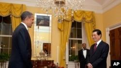 奧巴馬在私人晚宴期間對胡錦濤談及美軍在亞洲的部署。