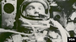 Foto yang dirilis NASA tanggal 20 Februari 1962 ini menampakkan foto John Glenn dalam pesawatnya 'Friendship 7 Mercury' (foto: dok).