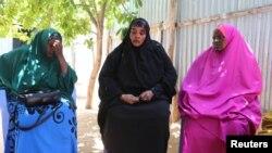소말리아 정부는 수도 모가디슈의 바리리 마을에서 미군과 공동 군사작전 중 민간인들을 잘못 사살됐다고 밝혔다. 29일 희생자 유가족들이 울고 있다.