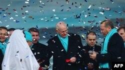 Erdoğan Papandreu ile Görüştü