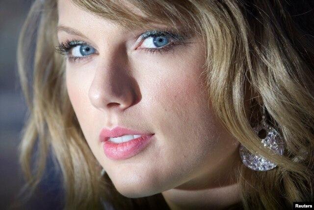 FILE - Taylor Swift.