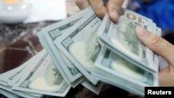 Chanh V. Trinh bị yêu cầu phải trả khoản tiền bồi thường hơn 2 triệu đôla, trong khi Cannedy Trinh phải trả hơn 1 triệu đôla.