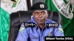 Mohammed Adamu, l'ancien inspecteur général des services de police, au Nigeria, le 6 octobre 2020. (VOA/Gilbert Tamba)