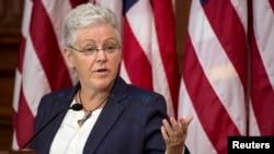 Ketua Badan Perlindungan Lingkungan Hidup Amerika (EPA) Gina McCarthy dalam konferensi pers di Washington (2/6).