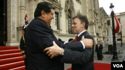 El presidente peruano Alan García y el presidente electo de Colombia, Juan Manuel Santos, durante su encuentro en Lima.