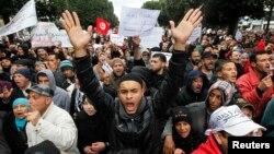 Người ủng hộ đảng cầm quyền Ennahda tại một cuộc biểu tình ở thủ đô Tunis, ngày 9 tháng 2, 2013.