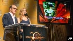 Clark Gregg y Sasha Alexander anuncian los premios.