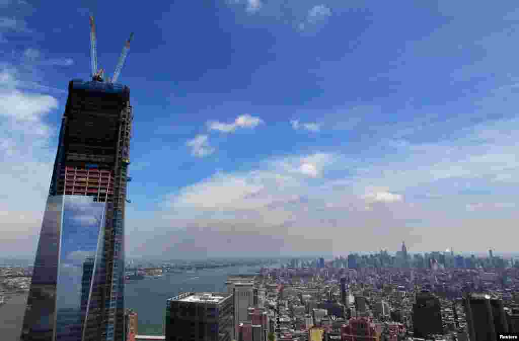 The One World Trade Center building above the skyline of Manhattan, June 18, 2012.