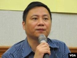 中国六四民运领袖、华人民主书院董事会主席王丹(美国之音张永泰拍摄)