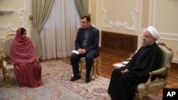 حسن روحانی رئیس جمهور ایران با سوشما سواراج وزیر خارجۀ هند در تهران