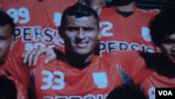 Pemain asal Paraguay Diego Mendieta, yang bermain untuk Persis Solo, tidak mendapat gaji empat bulan sampai ia meninggal karena sakit pada 2012. (Foto: Dok)