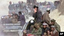 د پاکستان د بهرنیو چارو وزیر وویل طالبان باید خبرې وکړې او خپل هدفونه له سوله اییزې لارې تعقیب کړي.