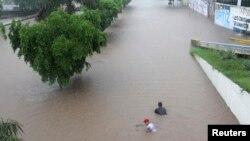 Wilayah di Culiacan, Meksiko dilanda banjir akibat badai tropis Manuel (19/9).