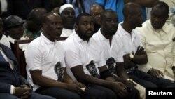 Le groupe Magic System lors de la cérémonie hommage à Papa Wemba à Abidjan le 27 avril 2016.