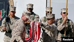26일 헬만드 주 군 기지 통제권 이양식에 참석한 미 해병대 모습
