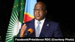 Président Félix Tshisekedi na lisikulu na ye mpo na mibu 60 ya Lipanda, na Cité ya Union africaine, Kinshasa, RDC. 30 juin 2020. (Facebook/Présidence RDC)
