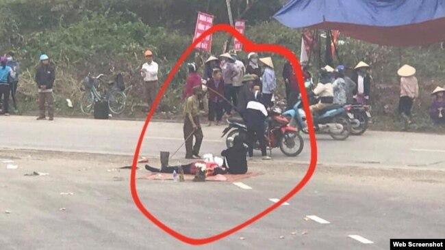 Một người dân địa phương được cho là đã thiệt mạng trong vụ đụng độ với lực lượng chức năng hôm 09/01/2020. Photo Dong Tam TV
