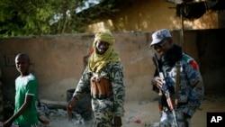 5일 말리 북부 가오시를 순찰하는 말리 정부군.