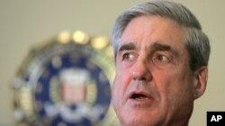 FBI director Robert Mueller (file photo)