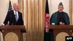 Američki potpredsednik Džo Bajden i predsednik Avganistana Hamid Karzai