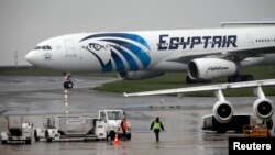 هواپیما شرکت هواپیمایی مصر ازنوع ایرباس ۳۲۰ بود.