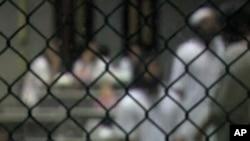 Zatvorenici iza ograda u Guantanamu