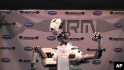 ยุคของหุ่นยนต์กำลังใกล้เข้ามาในงานแสดงหุ่นยนต์ที่นครเดนเวอร์