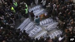 د بلوچستان د کوېله درنګونو د وژل شویو خواریکښو مړي