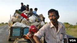 Ribuan warga sipil dari etnis Tamil harus mengungsi akibat kekerasan selama perang saudara di Sri Lanka.