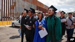 En estos tres años se han beneficiado alrededor de 800 mil inmigrantes con el programa conocido como DACA.