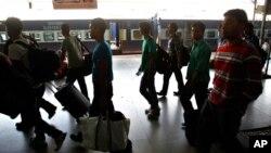 數千印度東北人害怕種族衝突蔓延離開南部城市班加羅爾