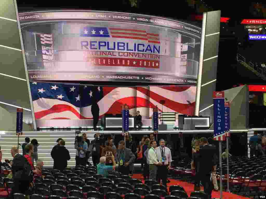 View inside the Quicken Loans Arena, where the Republican National Convention is being held in Cleveland, Ohio, July 19, 2016. (Photo: Mia Bush / VOA)