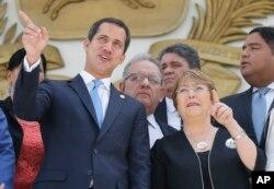 Bachelet ve Meclis Başkanı Juan Guaido