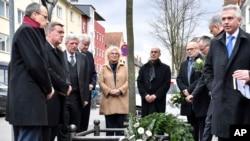 Almanya'daki ırkçı saldırıda ölenler anıldı