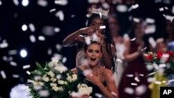 Camille Schrier, coronada Miss América el 19 de diciembre de 2019, dijo que estudia para obtener un doctorado en Farmacia.
