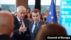 Генеральний секретар Ради Європи Торбйорн Яґланд і президент Франції Еммануель Макрон у Страсбурзі 31 жовня 2017 р.