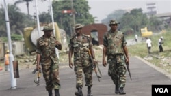 Tentara Nigeria melakukan patroli di kawasan yang bergolak di Nigeria tengah (foto: dok).