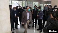 中國呼吸道疾病專家鍾南山1月19日在視察武漢金銀潭醫院。