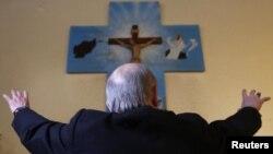 موریتی یگانه کشیش کاتولیک در افغانستان است
