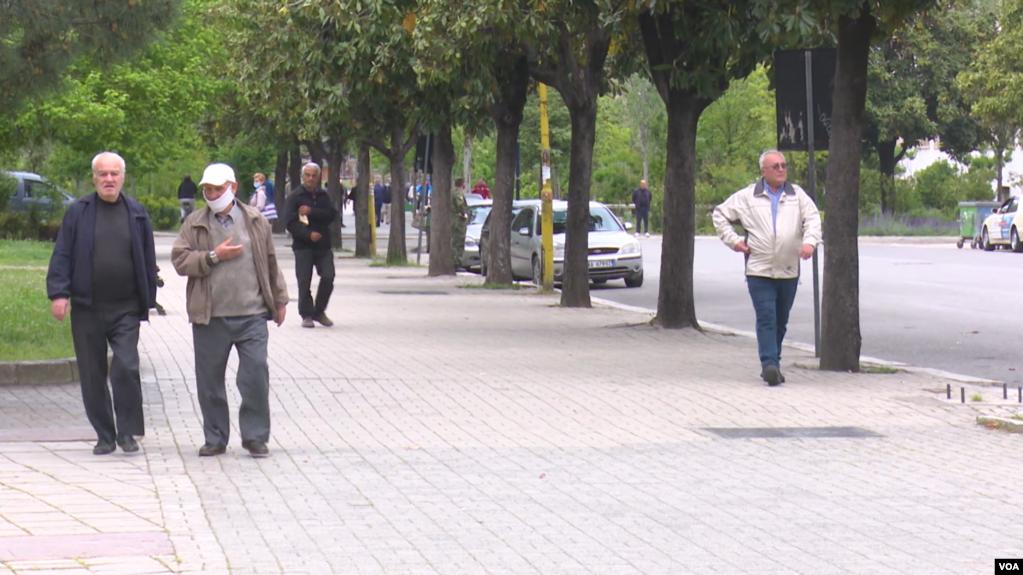 Tiranë: Masa të pakta mbrojtëse nga qytetarët për epideminë COVID-19