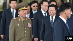 Delegacija Severne Koreje, danas u Seulu (Hvang Pjng So u uniformi)